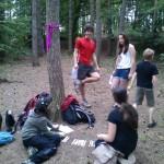 Luštění křížovky o stromech a lesích s hledáním otázek...